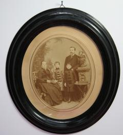 Antique picture of the family Lustig**