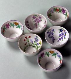 6 egg cups with flowers**
