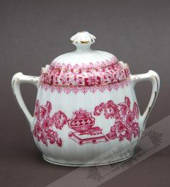 Tiefenfurt/Sugar Bowl China Red***