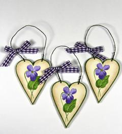Heart with violets*