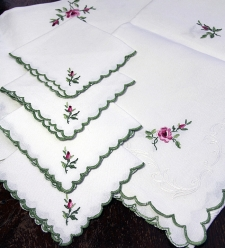 Table Cloth with 4 Napkins**