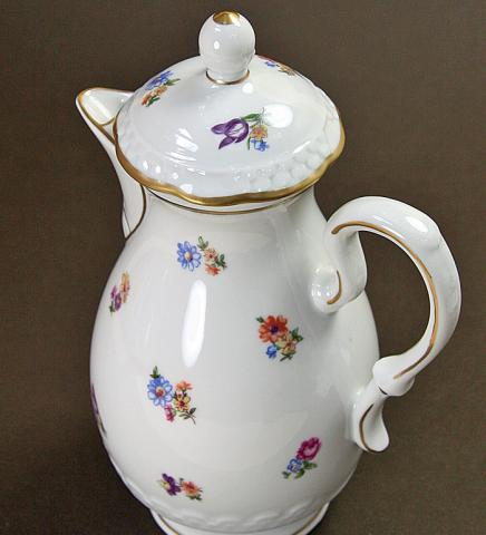 Volkstedt/coffee pot with flowers**