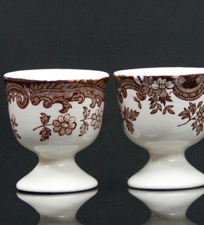 The Royal Worcester Group/ Palissy Game/Eierbecher**