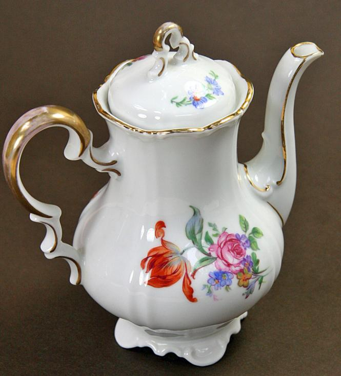 Volkstedt/ old coffee pot**